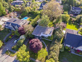 "Photo 3: 1741 ALLISON Road in Vancouver: University VW House for sale in ""UNIVERSITY ENDOWMENT LANDS"" (Vancouver West)  : MLS®# R2268035"