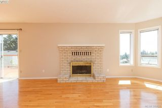 Photo 5: 628 Cairndale Road in VICTORIA: Co Triangle Single Family Detached for sale (Colwood)  : MLS®# 395631