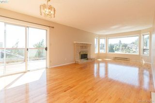 Photo 6: 628 Cairndale Road in VICTORIA: Co Triangle Single Family Detached for sale (Colwood)  : MLS®# 395631