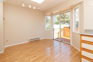 Photo 12: 628 Cairndale Road in VICTORIA: Co Triangle Single Family Detached for sale (Colwood)  : MLS®# 395631