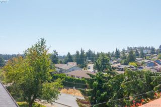 Photo 31: 628 Cairndale Road in VICTORIA: Co Triangle Single Family Detached for sale (Colwood)  : MLS®# 395631