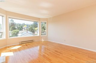 Photo 4: 628 Cairndale Road in VICTORIA: Co Triangle Single Family Detached for sale (Colwood)  : MLS®# 395631
