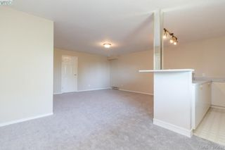 Photo 16: 628 Cairndale Road in VICTORIA: Co Triangle Single Family Detached for sale (Colwood)  : MLS®# 395631