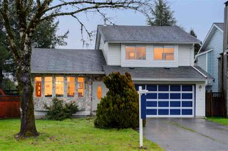 Main Photo: 9470 209B Crescent in Langley: Walnut Grove House for sale : MLS®# R2330588