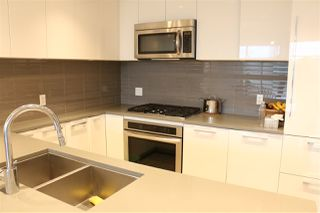 Photo 5: 808 3102 WINDSOR Gate in Coquitlam: New Horizons Condo for sale : MLS®# R2360607