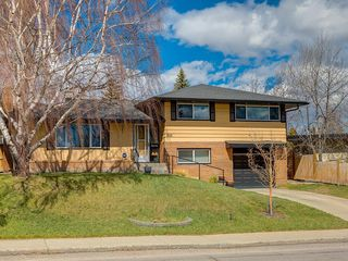 Photo 1: 808 47 Avenue SW in Calgary: Britannia Detached for sale : MLS®# C4237675