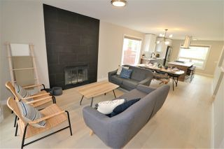 Photo 4: 10431 14 Avenue in Edmonton: Zone 16 House for sale : MLS®# E4156872