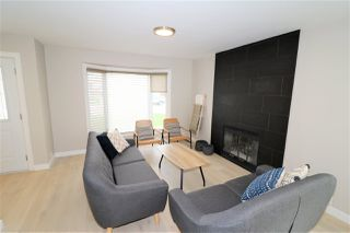 Photo 5: 10431 14 Avenue in Edmonton: Zone 16 House for sale : MLS®# E4156872