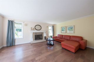 Photo 3: 2975 EAST LAKE Gate in Coquitlam: Coquitlam East House for sale : MLS®# R2371814