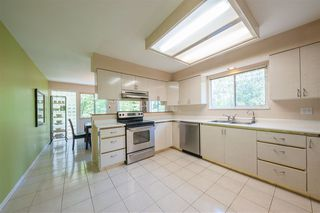Photo 6: 2975 EAST LAKE Gate in Coquitlam: Coquitlam East House for sale : MLS®# R2371814