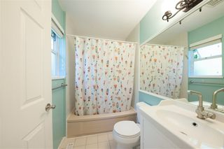 Photo 15: 2975 EAST LAKE Gate in Coquitlam: Coquitlam East House for sale : MLS®# R2371814