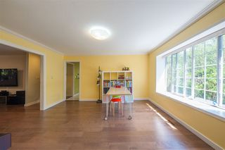Photo 4: 2975 EAST LAKE Gate in Coquitlam: Coquitlam East House for sale : MLS®# R2371814