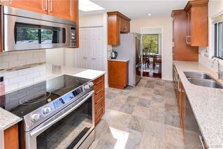 Photo 13: 994 Landeen Place in VICTORIA: SE Quadra Single Family Detached for sale (Saanich East)  : MLS®# 411878