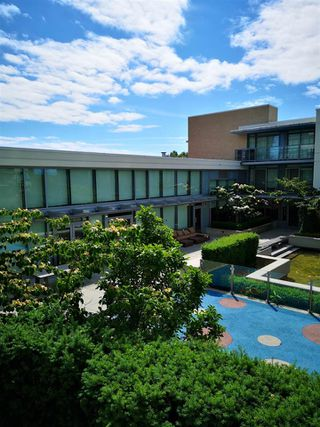 """Photo 17: 602 9099 COOK Road in Richmond: McLennan North Condo for sale in """"MONET"""" : MLS®# R2380281"""