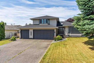 Main Photo: 5637 187A Street in Surrey: Cloverdale BC House for sale (Cloverdale)  : MLS®# R2380750