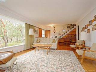 Photo 4: 3916 Benson Road in VICTORIA: SE Ten Mile Point Single Family Detached for sale (Saanich East)  : MLS®# 413262