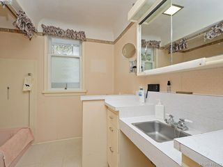 Photo 10: 3916 Benson Road in VICTORIA: SE Ten Mile Point Single Family Detached for sale (Saanich East)  : MLS®# 413262