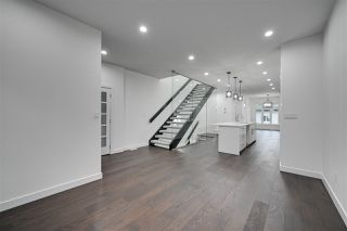 Photo 11: 8503 84 Avenue in Edmonton: Zone 18 House for sale : MLS®# E4172012