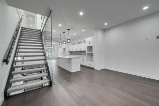 Photo 2: 8503 84 Avenue in Edmonton: Zone 18 House for sale : MLS®# E4172012