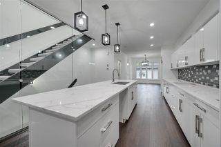Photo 3: 8503 84 Avenue in Edmonton: Zone 18 House for sale : MLS®# E4172012