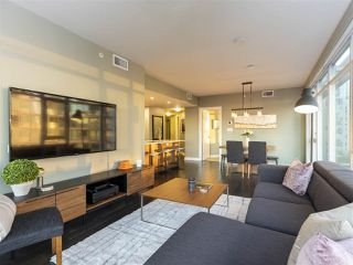 "Photo 5: 1507 1372 SEYMOUR Street in Vancouver: Downtown VW Condo for sale in ""The Mark"" (Vancouver West)  : MLS®# R2402457"