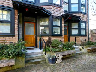 Photo 2: 1775 E 20TH Avenue in Vancouver: Victoria VE Townhouse for sale (Vancouver East)  : MLS®# R2436697