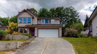 Main Photo: 5811 HERON Place in Sechelt: Sechelt District House for sale (Sunshine Coast)  : MLS®# R2458162