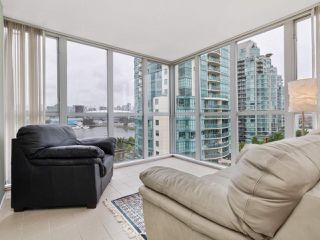 "Photo 3: 1201 1255 MAIN Street in Vancouver: Downtown VE Condo for sale in ""STATION PLACE"" (Vancouver East)  : MLS®# R2464428"