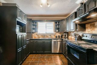 "Photo 3: 11 10892 152 Street in Surrey: Bolivar Heights Townhouse for sale in ""WOODRIDGE"" (North Surrey)  : MLS®# R2481743"