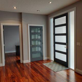 Photo 2: 9535 92 Street in Edmonton: Zone 18 House for sale : MLS®# E4219953