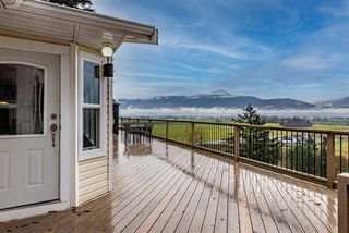 Photo 1: 47170 LATIMER Road in Chilliwack: Little Mountain House for sale : MLS®# R2518842