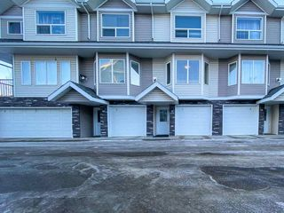 Photo 2: 3 13215 153 Avenue in Edmonton: Zone 27 Townhouse for sale : MLS®# E4224199