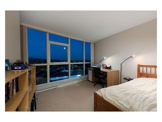 """Photo 9: 2003 2225 HOLDOM Avenue in Burnaby: Central BN Condo for sale in """"LEGACY TOWERS"""" (Burnaby North)  : MLS®# V910266"""
