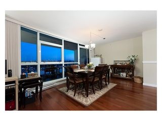 """Photo 4: 2003 2225 HOLDOM Avenue in Burnaby: Central BN Condo for sale in """"LEGACY TOWERS"""" (Burnaby North)  : MLS®# V910266"""