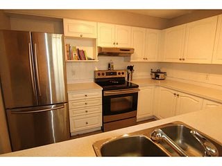 """Photo 10: 29 2378 RINDALL Avenue in Port Coquitlam: Central Pt Coquitlam Condo for sale in """"BRITTANY PARK"""" : MLS®# V1095397"""
