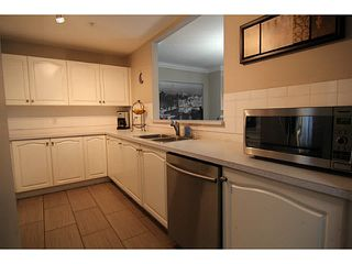 """Photo 11: 29 2378 RINDALL Avenue in Port Coquitlam: Central Pt Coquitlam Condo for sale in """"BRITTANY PARK"""" : MLS®# V1095397"""