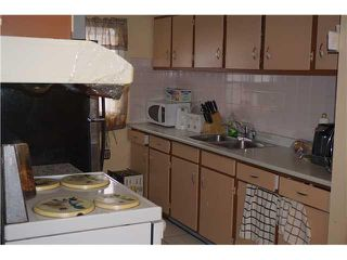 Photo 8: 6305 PENBROOKE Drive SE in Calgary: Penbrooke House for sale : MLS®# C3645933