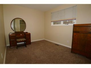 Photo 8: 2204 65 Street NE in Calgary: Pineridge Residential Detached Single Family for sale : MLS®# C3646064