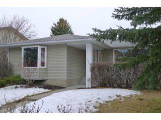 Photo 1: 2204 65 Street NE in Calgary: Pineridge Residential Detached Single Family for sale : MLS®# C3646064