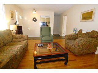 Photo 3: 2204 65 Street NE in Calgary: Pineridge Residential Detached Single Family for sale : MLS®# C3646064