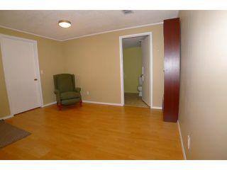 Photo 11: 2204 65 Street NE in Calgary: Pineridge Residential Detached Single Family for sale : MLS®# C3646064