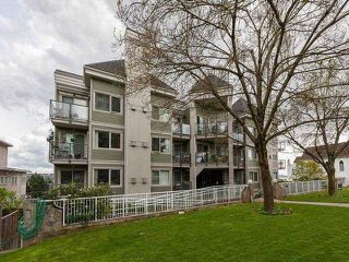 """Main Photo: 101 210 CARNARVON Street in New Westminster: Downtown NW Condo for sale in """"HILLSIDE HEIGHTS"""" : MLS®# V1101565"""