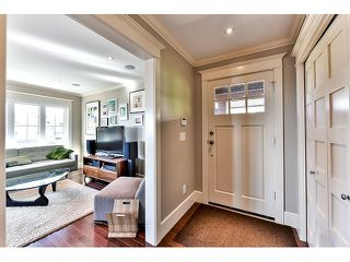 "Photo 8: 1042 HABGOOD Street: White Rock House for sale in ""Eastside"" (South Surrey White Rock)  : MLS®# F1434222"