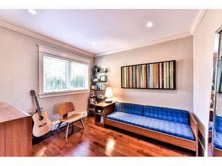 "Photo 11: 1042 HABGOOD Street: White Rock House for sale in ""Eastside"" (South Surrey White Rock)  : MLS®# F1434222"