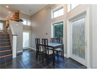 Photo 7: 4 118 Dallas Rd in VICTORIA: Vi James Bay Row/Townhouse for sale (Victoria)  : MLS®# 697761