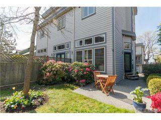 Photo 2: 4 118 Dallas Rd in VICTORIA: Vi James Bay Row/Townhouse for sale (Victoria)  : MLS®# 697761