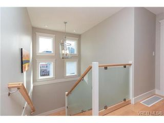 Photo 16: 589 Hampshire Road in VICTORIA: OB South Oak Bay Single Family Detached for sale (Oak Bay)  : MLS®# 360926