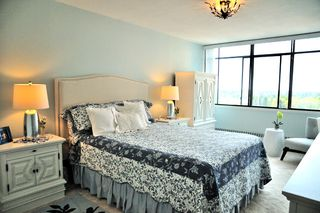 """Photo 17: 1305 6631 MINORU Boulevard in Richmond: Brighouse Condo for sale in """"PARK TOWERS"""" : MLS®# R2054665"""