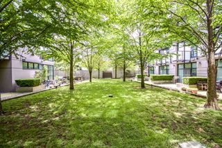 """Photo 3: 203 8988 HUDSON Street in Vancouver: Marpole Condo for sale in """"RETRO"""" (Vancouver West)  : MLS®# R2059530"""