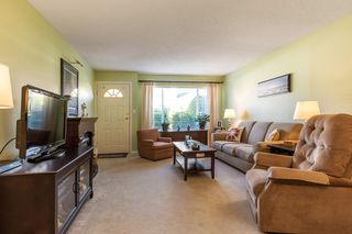 Photo 2: 21 19249 HAMMOND Road in Pitt Meadows: Central Meadows Townhouse for sale : MLS®# R2116453